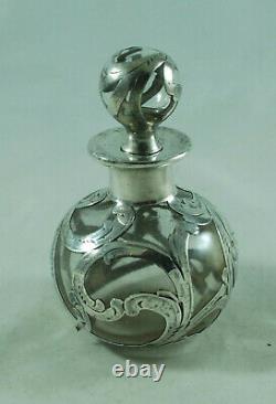 American Antique Silver Scent Bottle Par Alvin Cazx